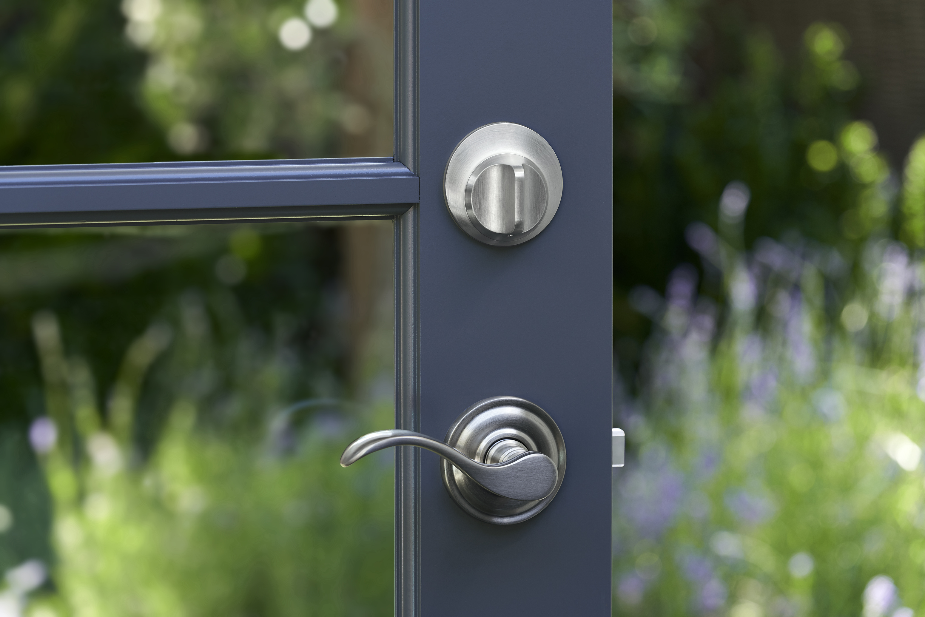 Level Home introduces Level Touch, a sleek smart lock that doesn't advertise its intelligence 3